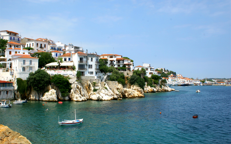 Top 5 things to do in Skiathos island: Have a lunch in seaside taverns