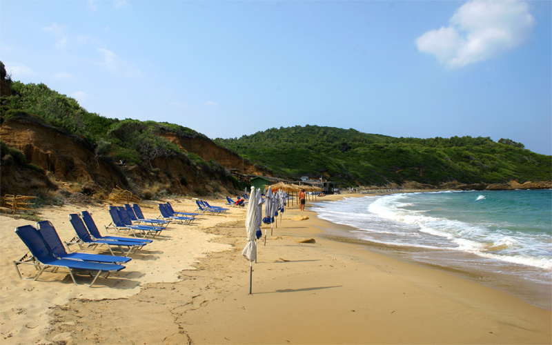 Secluded beaches in Skiathos: Mandraki